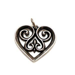 Beautiful James Avery scroll heart necklace